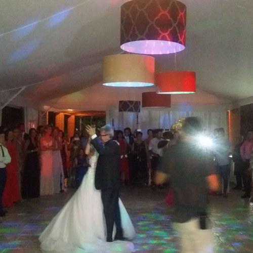baile-novios-carpa-nocturna